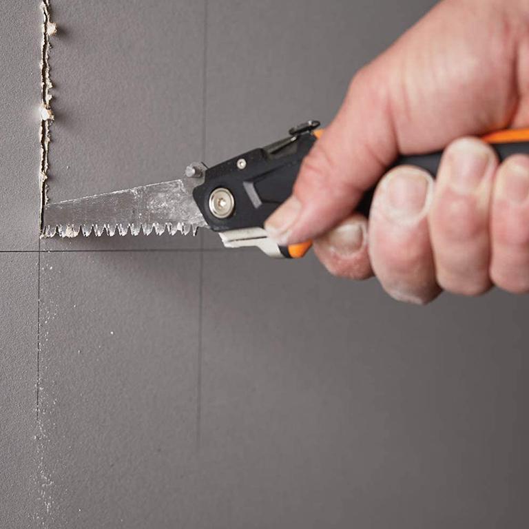 Нож Fiskars макетен за гипскартон